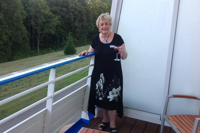 MGH grateful patient donor Patricia Cosway pictured on a balcony